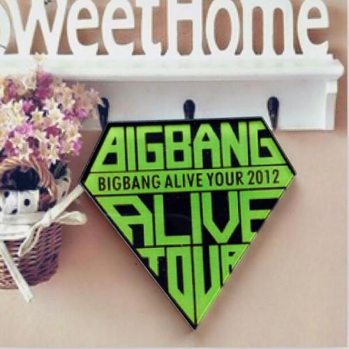 BIGBANG Alive Rozet