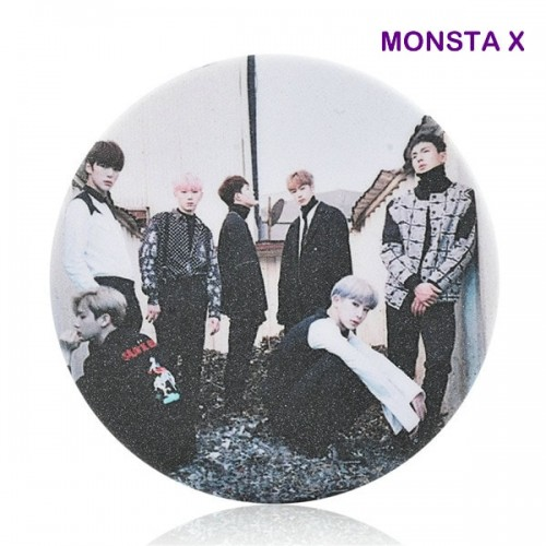 MONSTA X Rozet